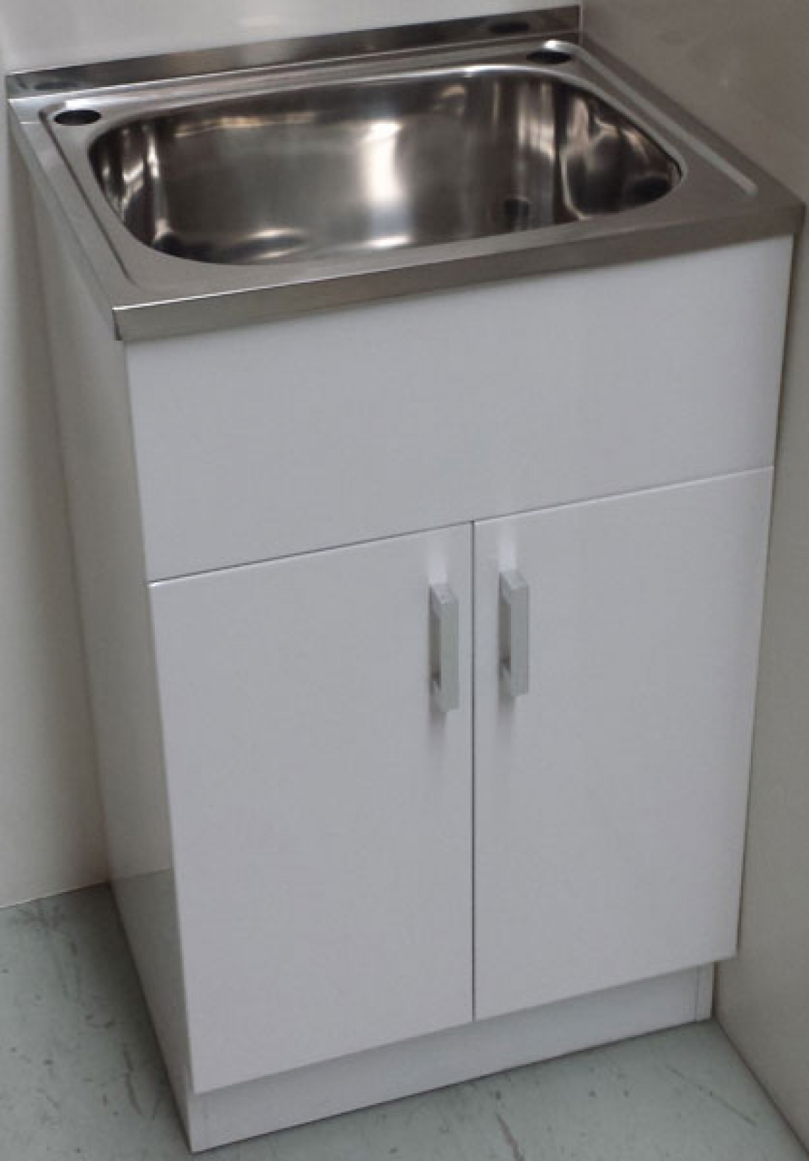 35L laundry sink with cabinet  2 doors