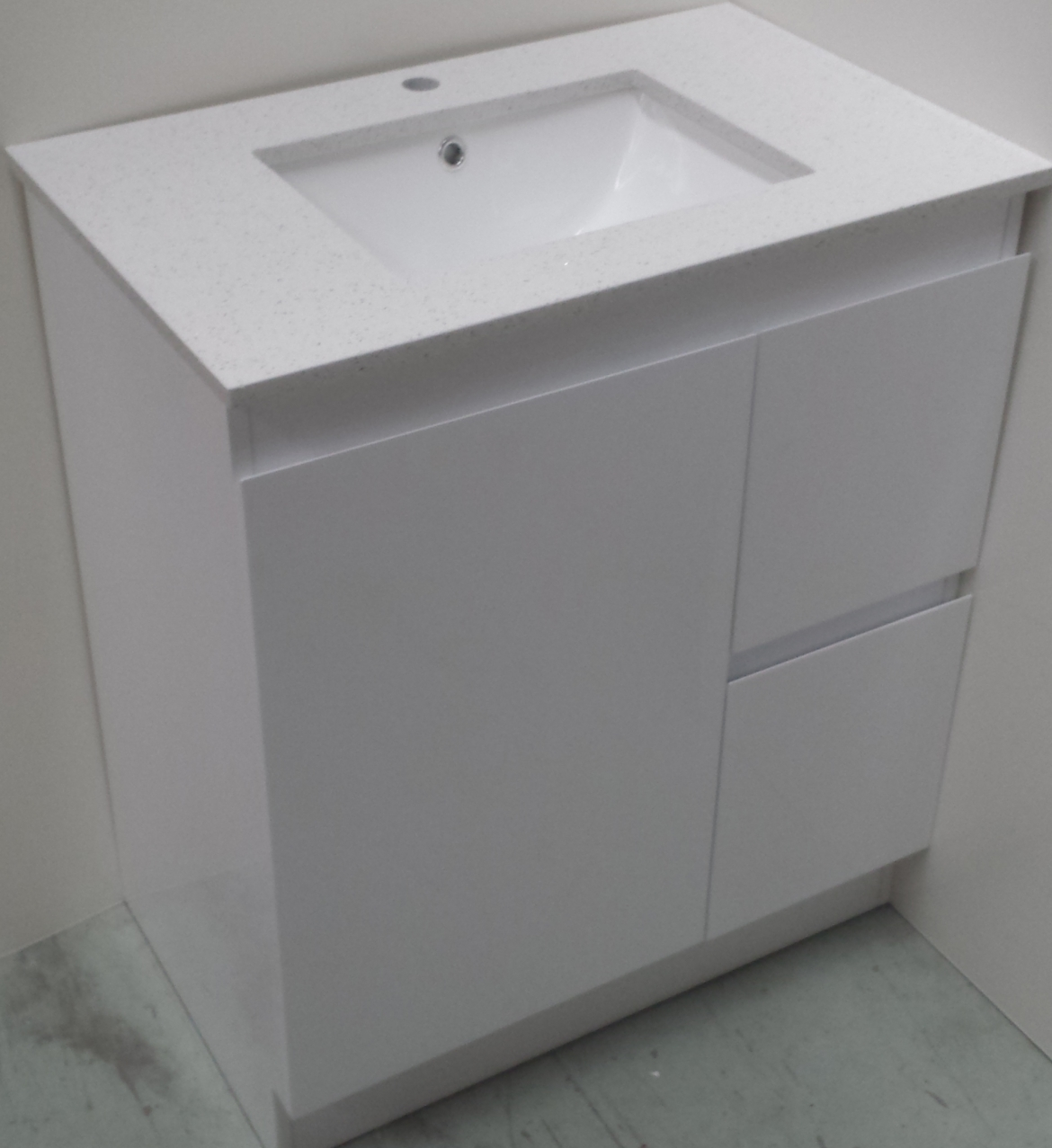 Bathroom stone top vanity 750mm  white