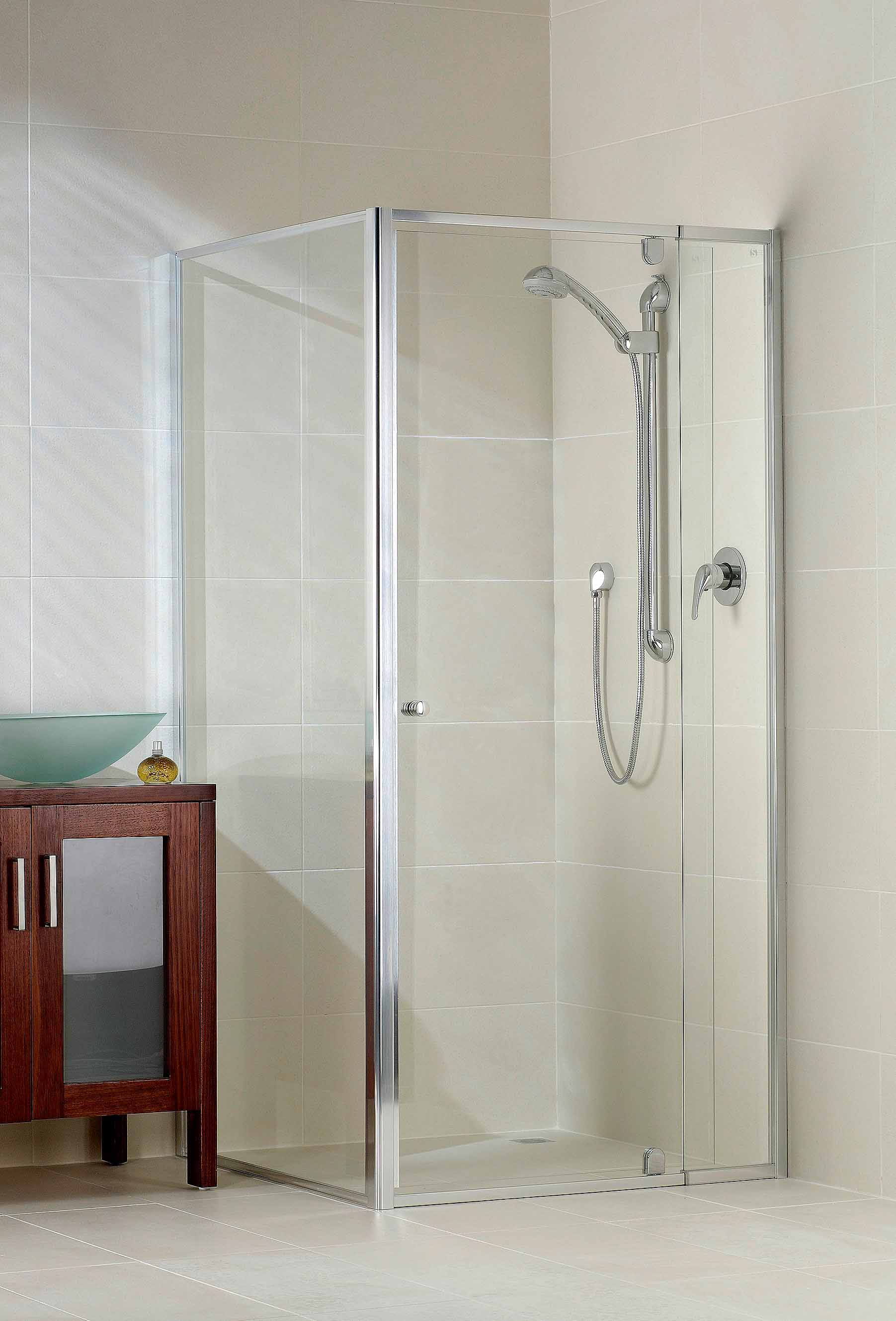 Framed Shower Screen  Swing door