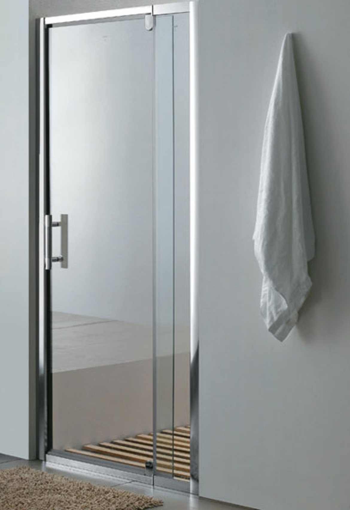 Wall to wall shower screen  swing door